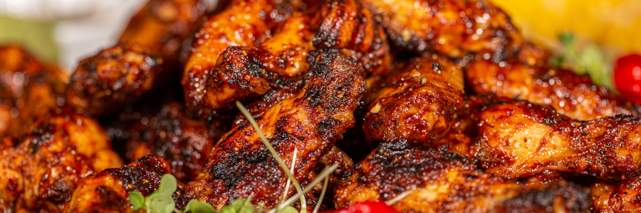 SMOKED CHICKEN WINGS WITH BLUE CHEESE DIP | Recipes | Broil King®